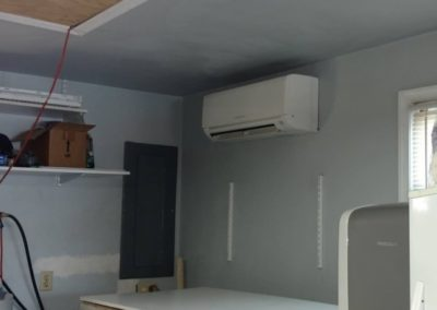 9,000 BTU MITSUBISHI DUCTLESS HEAT PUMP